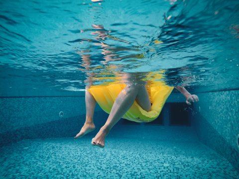 Análise de água de piscina, como garantir a segurança de quem a frequenta